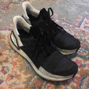 Women's size 9.5 black and white adidas ultraboost
